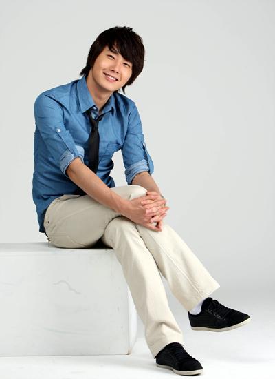 2009 7 JIW Blue Shirt 7.jpg