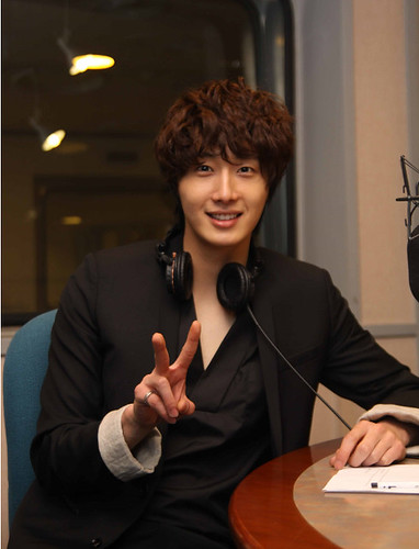 2011 Jung Il woo as The Scheduler in 49 Days. Black Jacket. 1.jpg
