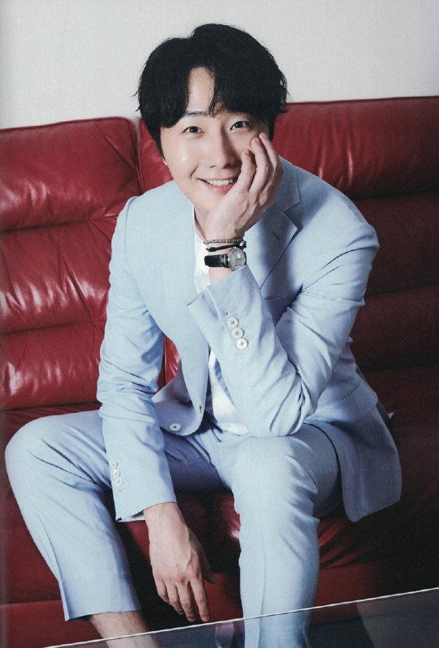 2019 7 Jung Il woo in the Japanese Magazine Channel Book. 1