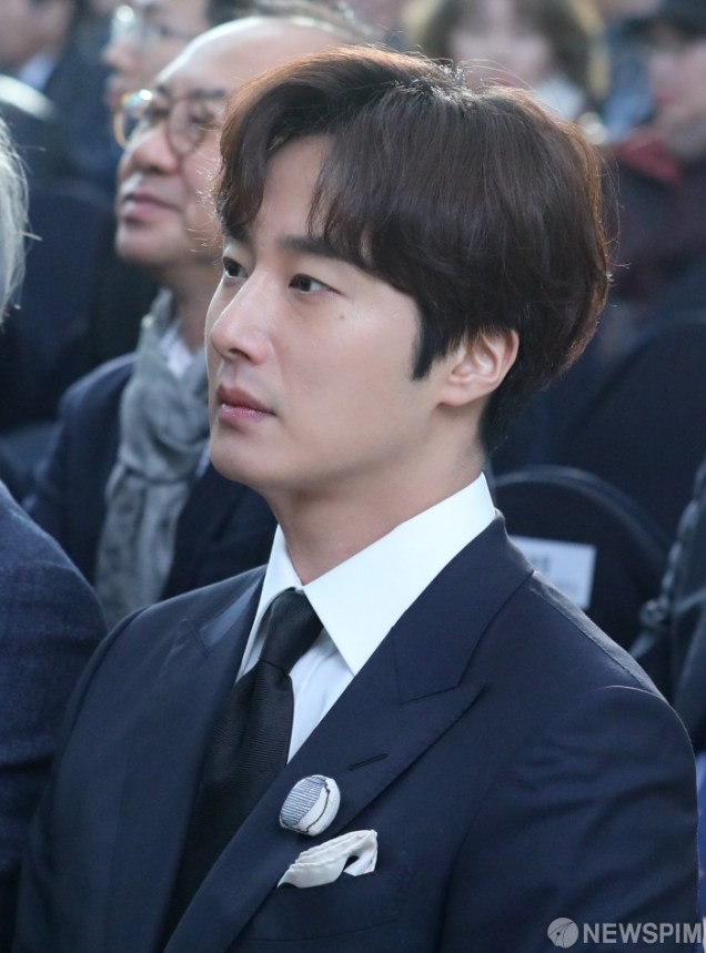 2019 12 3 Jung Il woo attending the Gaya Exhibit at the National Museum of Korea. 1