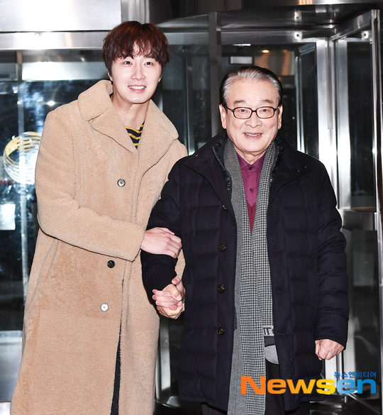 2019 12 7 Jung Il woo at KBS for filming of Happy Together 4 with Lee Soon-jae. 5
