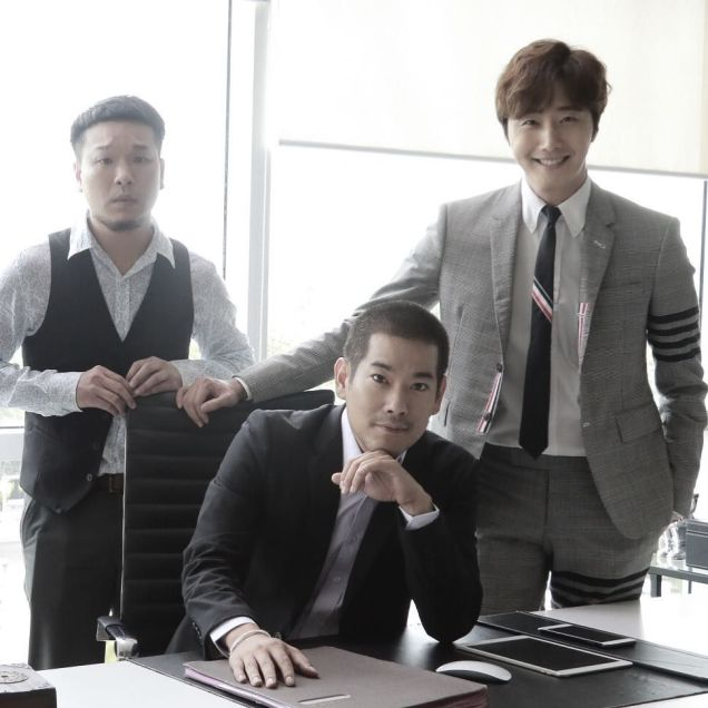 Jung Il woo in Behind the Scenes of Love and Lies. With male actors. 1