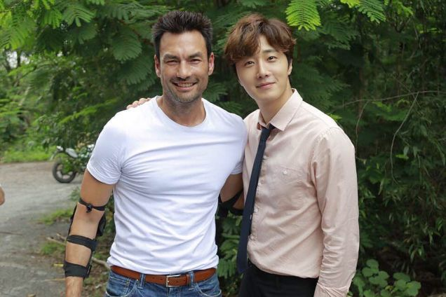 Jung Il woo in Behind the Scenes of Love and Lies. With male actors. 2