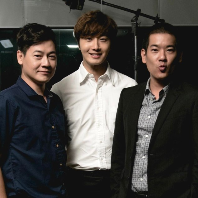 Jung Il woo in Behind the Scenes of Love and Lies. With male actors. 4