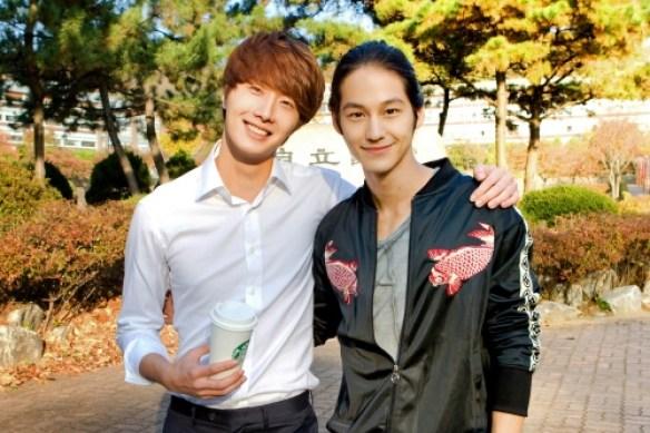 20111103-Kim-Bum_Jung-Il-Woo.jpg
