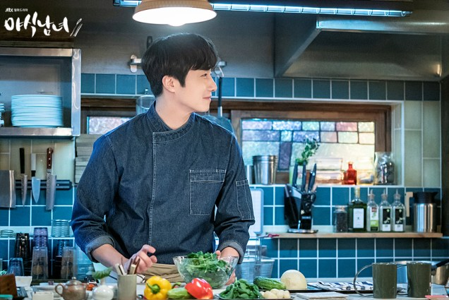 2020 5 25 Jung Il woo in Sweet Munchies Episode 1 Stills by JTBC. 2