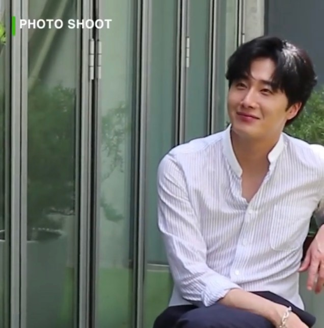 2020 6 15 Jung Il woo In Behind the Scenes pf a Photo Shoot. 1