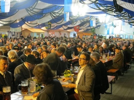 Kritik an geplantem Freihandelsabkommen beim Bayrischen Milchbauerntag 2014