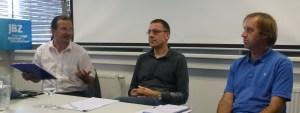 Niko Paech im Gespräch mit Ewald Hiebl (Leopold-Kohr-Akademie) und Hans Holzinger (JBZ