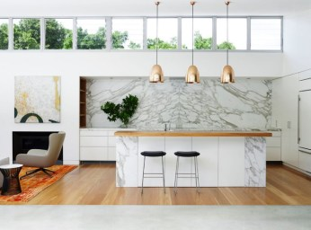 marble-kitchen-with-warm-and-cool-tones