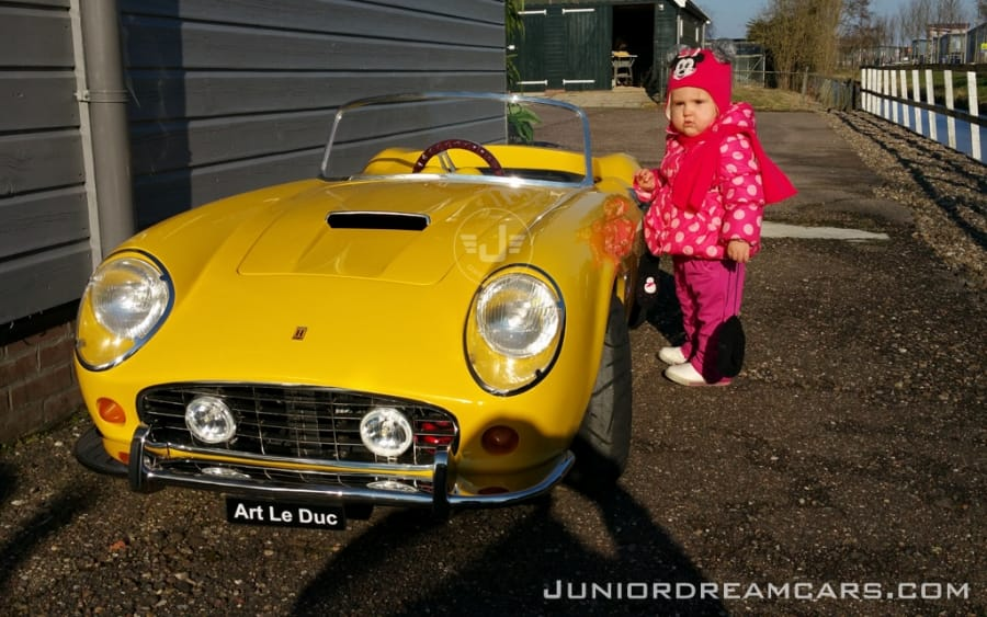 250-spyder yellow