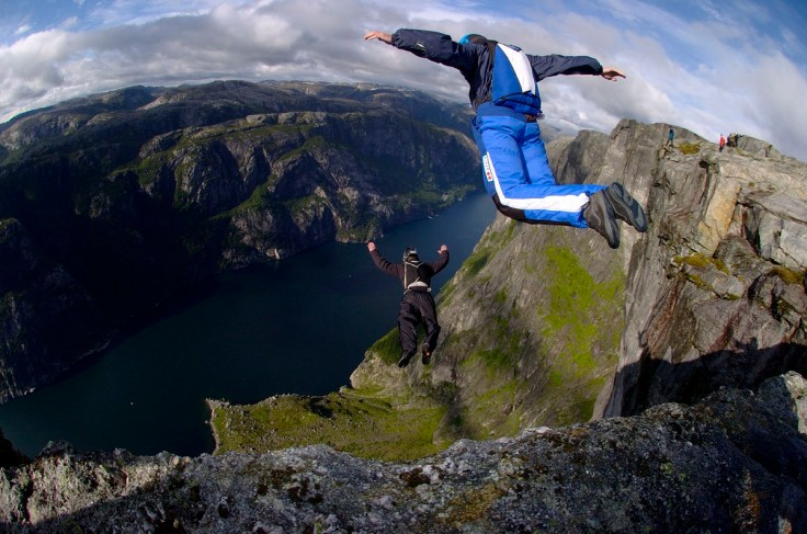 Base-Jumping-Gear.jpg