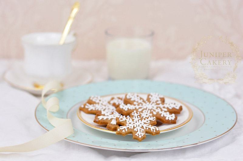 Recipe for festive gingerbread snowflake cookies by Juniper Cakery