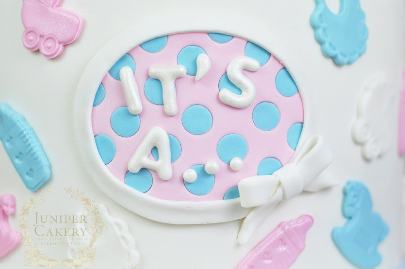 Baby shower cake detail by Juniper Cakery