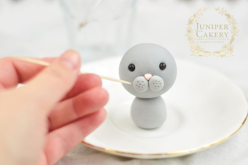 For Easter try this sweet tutorial for an edible bunny from Juniper Cakery
