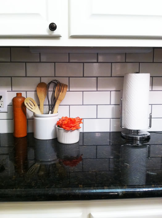 white subway tile with dark grout