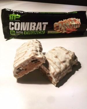 MusclePharn Combat Crunch Cinnamon Twist