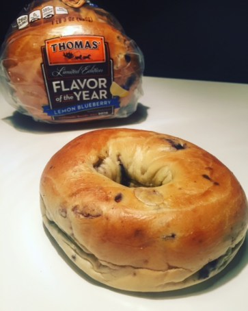 Thomas' Flavor of the Year Lemon Blueberry Bagels