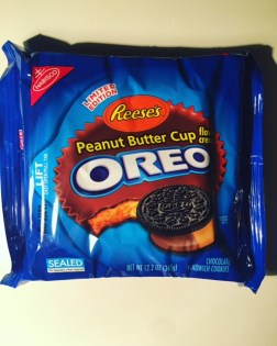 Nabisco Reese's Peanut Butter Cup Oreos
