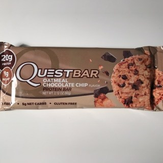 Oatmeal Chocolate Chip Quest Bar