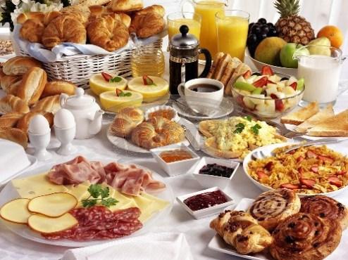elaborate-breakfast-buffet-443883