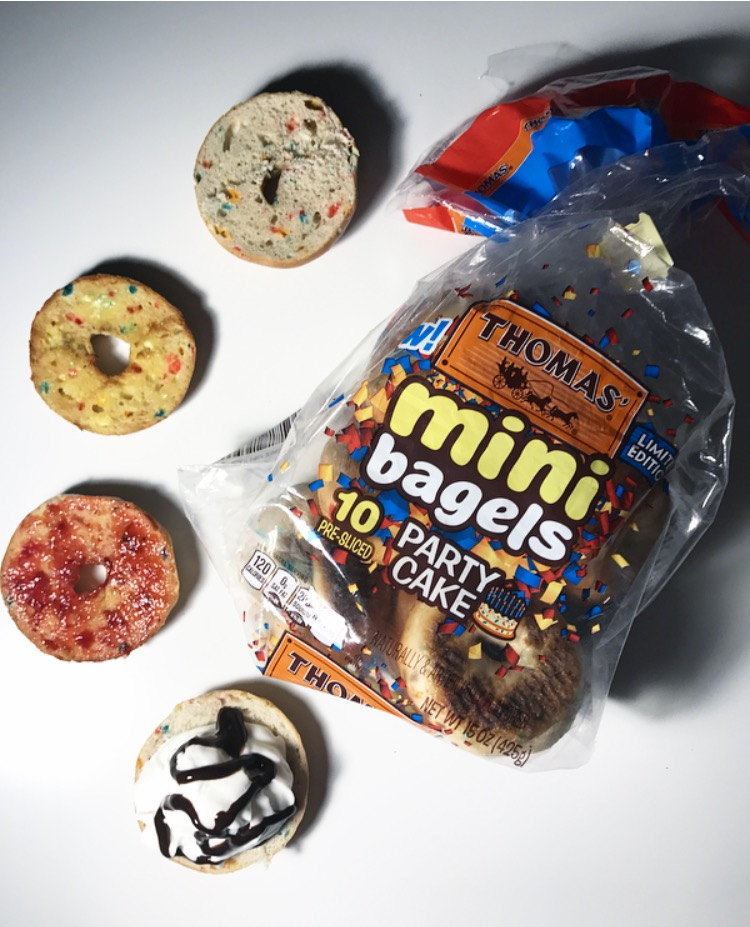 REVIEW: Thomas' Party Cake Mini Bagels