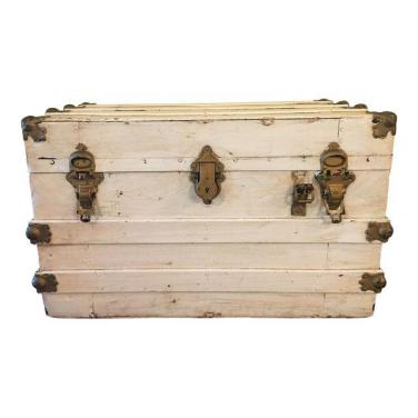 shabby chic streamer trunk in distressed white