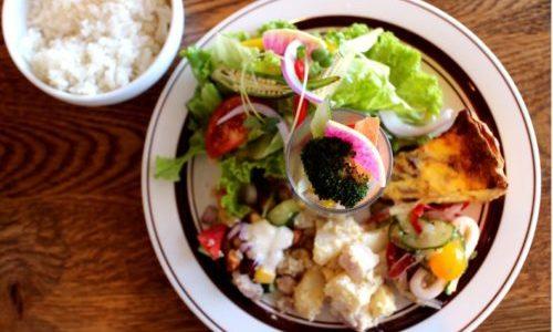 名古屋・栄『ラフアンドLaugh&』野菜たっぷりランチはケーキ&フリードリンクでコスパも最高