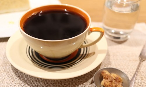 一社『コーヒー カジタ』極上コーヒーとケーキの楽しめる大人カフェ