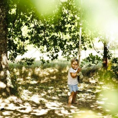spelen onder de boom