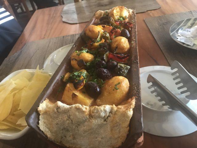 """Onde comer em Guararema-SP: restaurante """"Buraco da Véia""""!"""