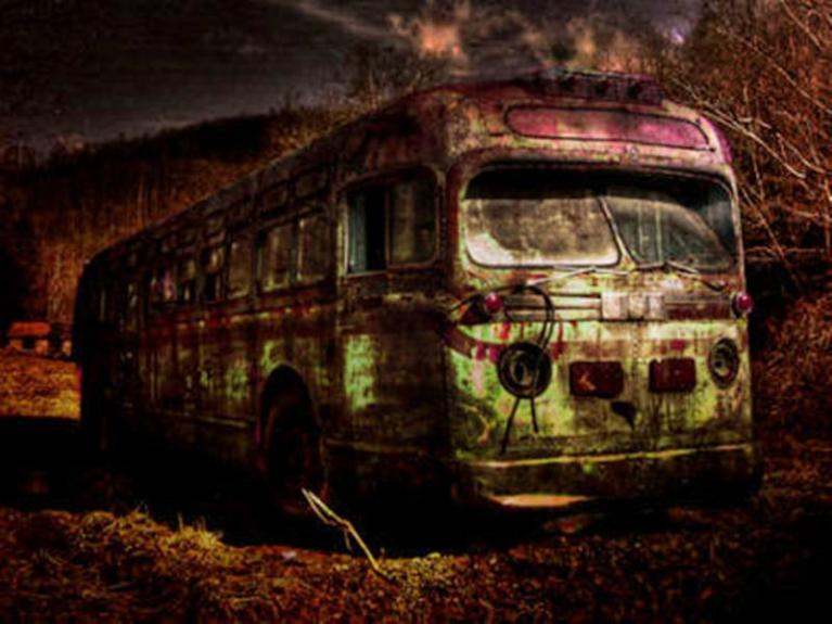 Urban Legend Bus 375