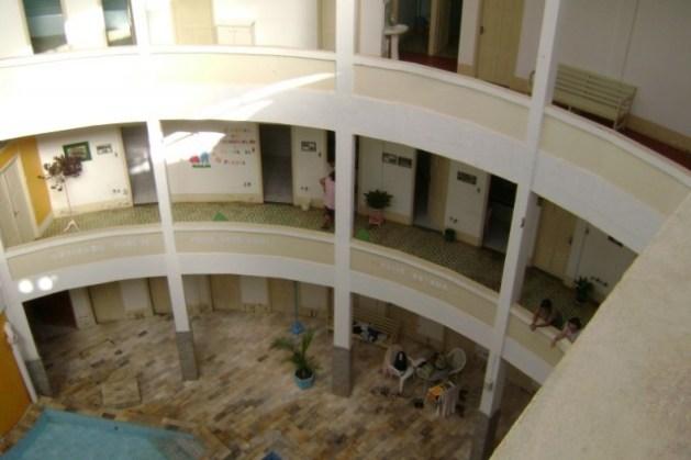 Diversas salas de atendimento e massagem no balneário