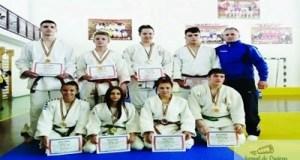 """Judoka de la """"Triscu"""" s-au intors cu opt medalii de la Campionatele Scolare 1"""