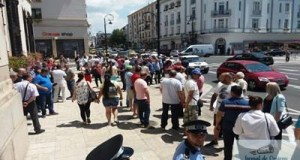 Angajatii RAT Craiova au protestat ieri in fata Primariei Craiova 9