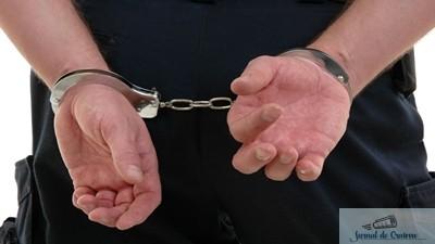 Tanara de 19 ani in arestul IPJ Dolj dupa ce a talharit o batrana 1
