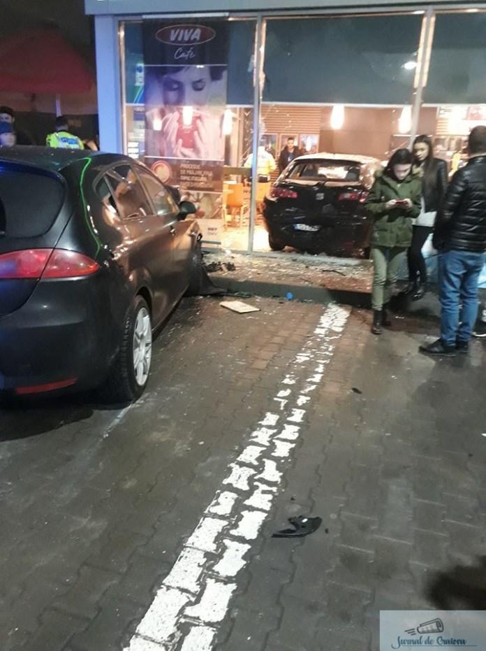 Accident grav:O masină a intrat  intr-o benzinarie din Craiova. 3