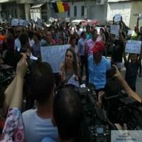 Autoritatile au blocat plecarea fetitei Sorina din Romania