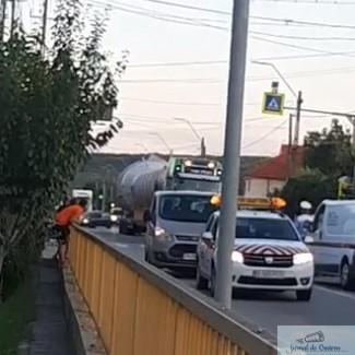 A inceput nebunia la Podari ! Drumul a fost blocat din cauza tirurilor de la Clariant ..