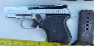 Politistii au gasit un pistol la o tanara din Cerat ..