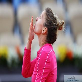 Tenis : Simona Halep defilează la Roland Garros şi se califică în optimi