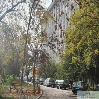 Nu crezi in pandemie ? O simpla imagine ne arata Coada de dricuri la Spitalul Nr. 1 din Craiova!