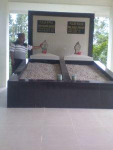 Foto : Makam Raja Raya Tn. Rondahaim Saragih Garingging
