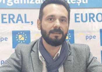 """Mihai Coteţ, vicepreşedinte PNL Piteşti: """"N-am intrat în politică pentru a mă plânge. Ci pentru că nu mai puteam sta deoparte"""" 15"""