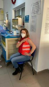 A început campania de vaccinare anti- COVID-19 în Argeș. Cine sunt primele persoane 8