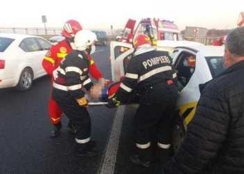 Accident pe A1. Doi bărbați extrași de pompieri 8