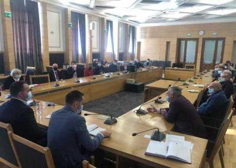Primarul Cristian Gentea - ședință de lucru cu reprezentanții mediului de afaceri din Pitești 2