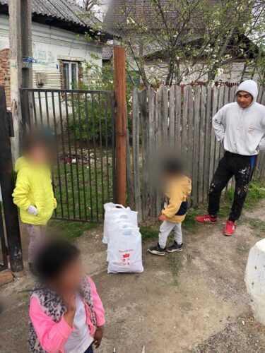 60 de familii din Mioveni vor avea un Paşte mai bogat 1