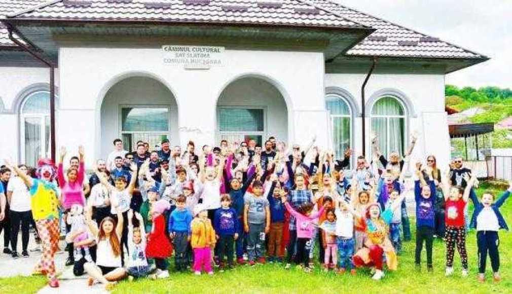 Copiii din satul Slatina, comuna Nucşoara, au primit o şansă prin proiectul Casa Bună