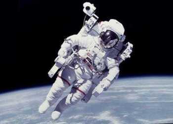 255 de români candidează pentru un post de astronaut la Agenția Spațială Europeană 19